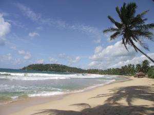 mirissa_beach_sri_lanka
