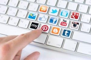 mc-istock25013656s-social-media-keyboard